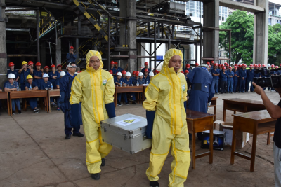 州市辐射事故联合应急演练在芒市轩岗糖厂举行