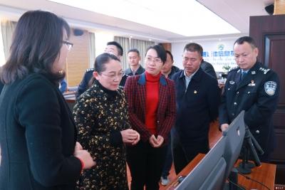 大年三十市委书记赵冬梅看望慰问坚守岗位一线值班人员