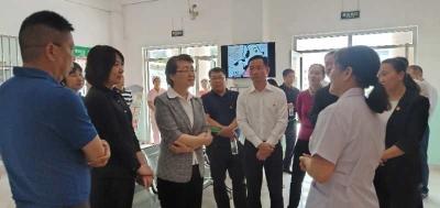 副省长李玛琳调研芒市卫生健康工作