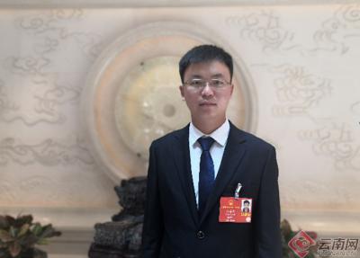【两会云采访】网络连线袁海波代表:加大对农民工返乡创业的支持力度