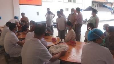【傣语】勐焕街道团结社区开展义诊志愿服务活动