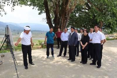 副省长和良辉到芒市调研边境小康示范村建设