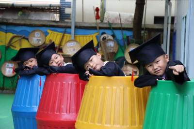芒市红苹果幼儿园举行第十五届大班毕业典礼
