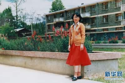 今天,我们用这些照片讲述张桂梅芳华故事