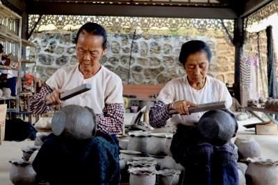 民族团结丨千年傣族土陶,走出德宏卖到了大都市!