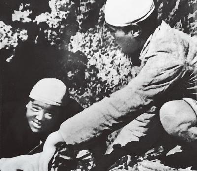 奋斗百年路 启航新征程 | 为人民服务:贯穿百年党史的一根红线