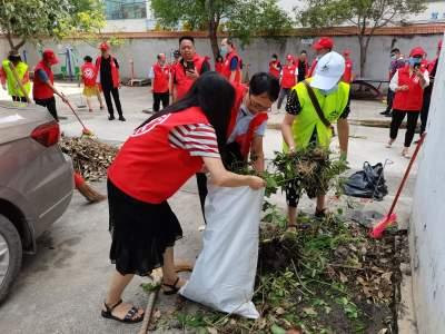 党员报到勐焕街道新村社区开展环境卫生整治活动