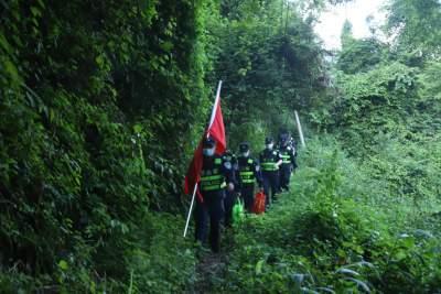 芒市边境管理大队开展踏查巡边活动