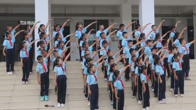 【傣语】风平镇中心小学举行2021年秋季学期开学升旗仪式暨开学典礼