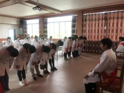 固东镇中心卫生院举行中医药传承拜师仪式