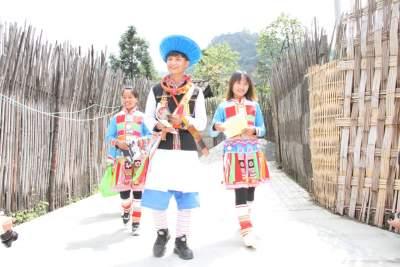 腾冲滇滩镇:民族团结之花绚丽绽放