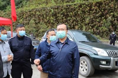 杨军率队到猴桥镇对香蕉运输车辆管理工作进行调研