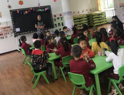 团田乡中心学校与龙陵县幼教团队研讨交流