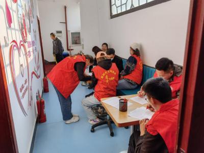 腾冲市工信局开展无偿献血志愿服务活动