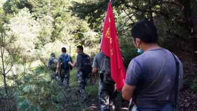 猴桥镇猴桥社区疫情防控巡逻队开展常态化巡逻