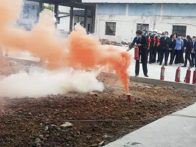 腾冲市辖区各重点单位自主开展消防安全培训及演练