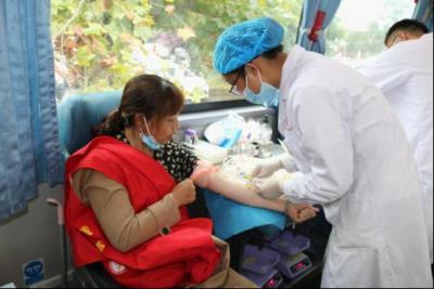 芒棒镇组织开展无偿献血活动