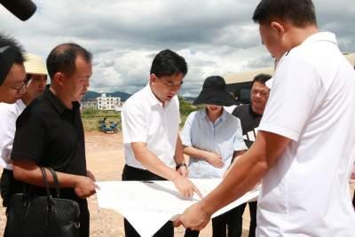 庞俊率队就新型城镇化项目建设情况进行现场办公
