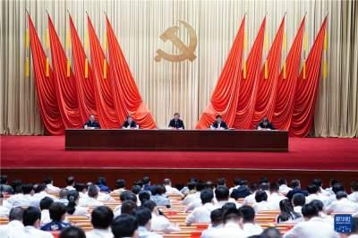 习近平:信念坚定对党忠诚实事求是担当作为 努力成为可堪大用能担重任的栋梁之才