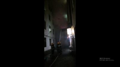 瑞丽市城东集贸市场发生一起火灾致2人死亡 火灾原因正在勘查中