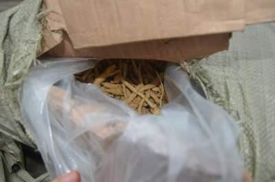 瑞丽边检站民警深夜查获300余公斤濒危植物西洋参