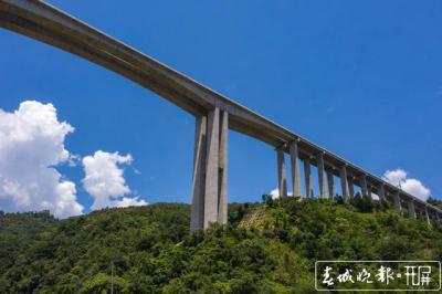 今天,腾陇高速正式通车,德宏州5个县市全部通高速!