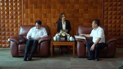 缅甸驻昆总领事彤昂觉到瑞考察