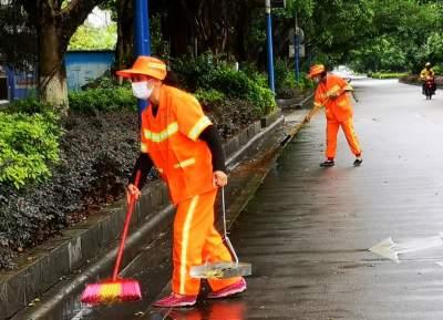 瑞麗市700余環衛工人堅守一線助力疫情防控