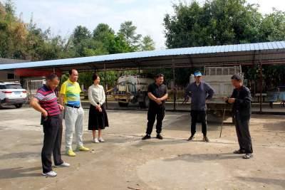 陇川县老年体协到乡镇调研老年人体育场地建设情况