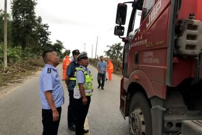 陇川公安交警部门联动精准发力 促进道路交通事故预防能力全面提高