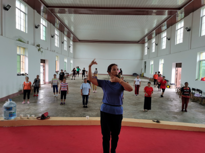 【新时代文明实践】陇川农场拉线社区开展民族广场舞培训