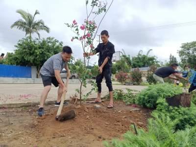 【我为群众办实事】城子镇撒定村党总支开展义务植树活动