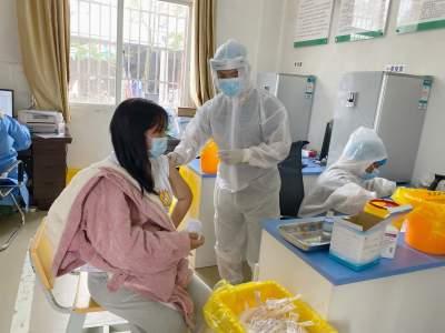 学史力行   王子树乡:扎实有序推进新冠疫苗第三阶段接种工作