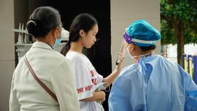 陇川县开展新冠疫苗12-14岁人群接种工作
