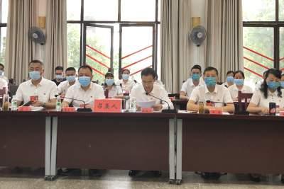 陇川党代表热议德宏州第八次党代会工作报告