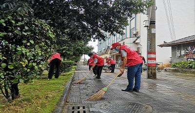 工业和商务科技局党支部开展双报到志愿服务活动