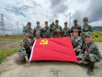 学史力行 |守初心 担使命 战疫情——让党旗在边境防疫一线高高飘扬