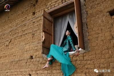 穿在身上的七彩云南,美绝了的丝路云裳!