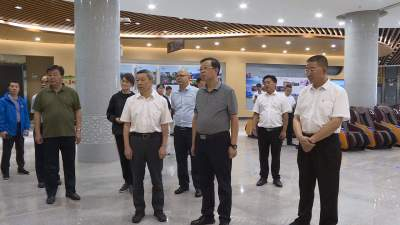 广西考察组到丘北县交流考察文化旅游工作
