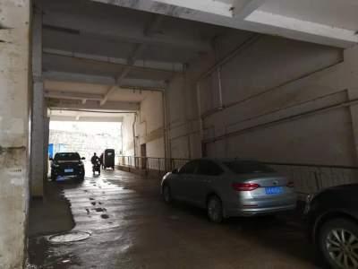 【爱卫曝光台】丘北锦丽小区部分房屋下水管道长时间漏水  污水横流