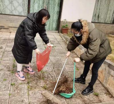 丘北县纪委县监委春节期间围绕疫情防控、 爱卫工作开展志愿服务
