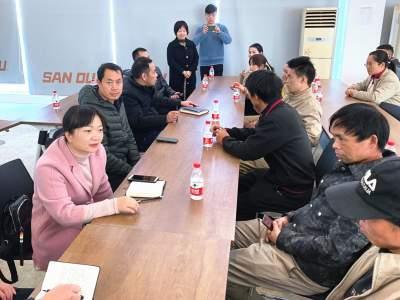 何娅委员:情系农民工,驻外显担当