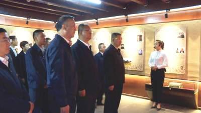 丘北县举行党史学习教育动员会暨县委理论学习中心组2021年度第二次集中学习