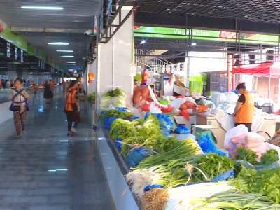 丘北县多部门联动促东门市场规范化管理