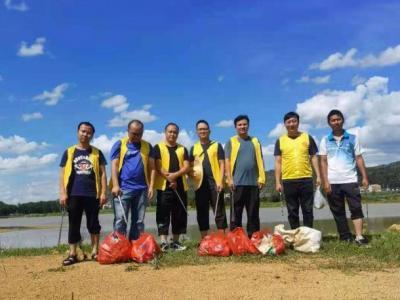 丘北县政务服务管理局开展系列志愿服务活动