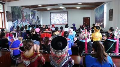 丘北县各族干部群众收看建党100周年庆祝大会