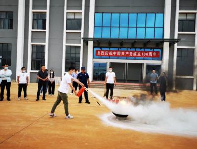 """丘北县产业园区打造党史学习教育""""新思想""""课堂"""