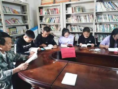 丘北温浏:农家书屋小小间,党史学习入心田