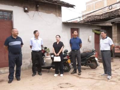 丘北县人大常委会开展国家卫生城镇创建工作专题调查