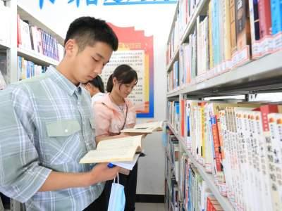 """丘北八道哨:农家书屋成为农村先进文化的""""播种机""""""""加油站"""""""